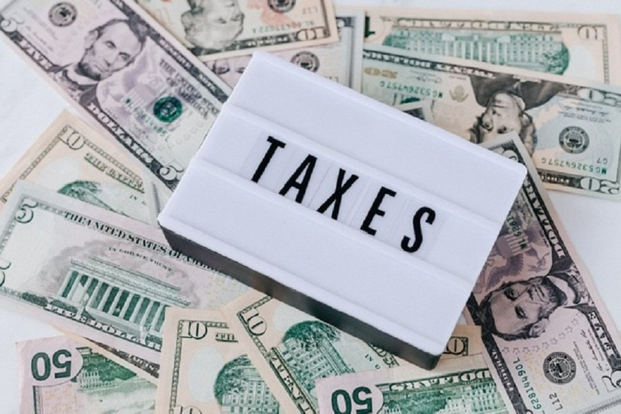 Tax consequences of cashing in life insurance policy